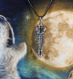 медальон със Скорпион 10