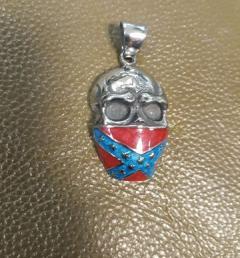 медальон маска 001