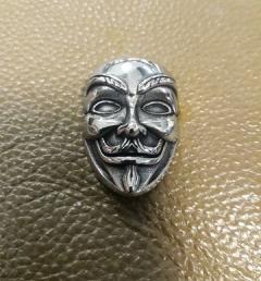 медальон анонимните 001