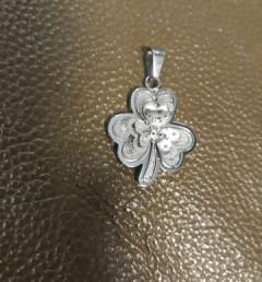 медальон детелина 001