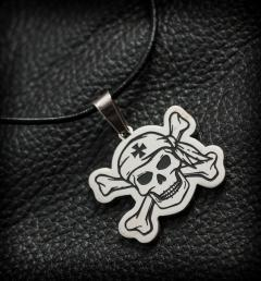 медальон череп96