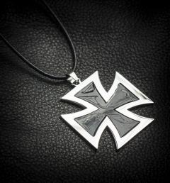 медальон кръст 02