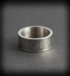 пръстен AC/DC 01
