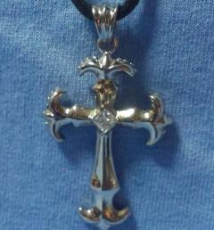 кръст медальон 010