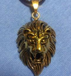 медальон за врата 77